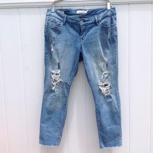 Torrid Distressed Laced Boyfriend Jeans sz 14